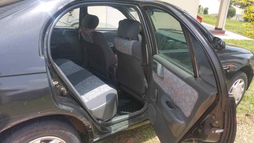Imodoka Toyota Carina E igurishwa 5,200,000frw