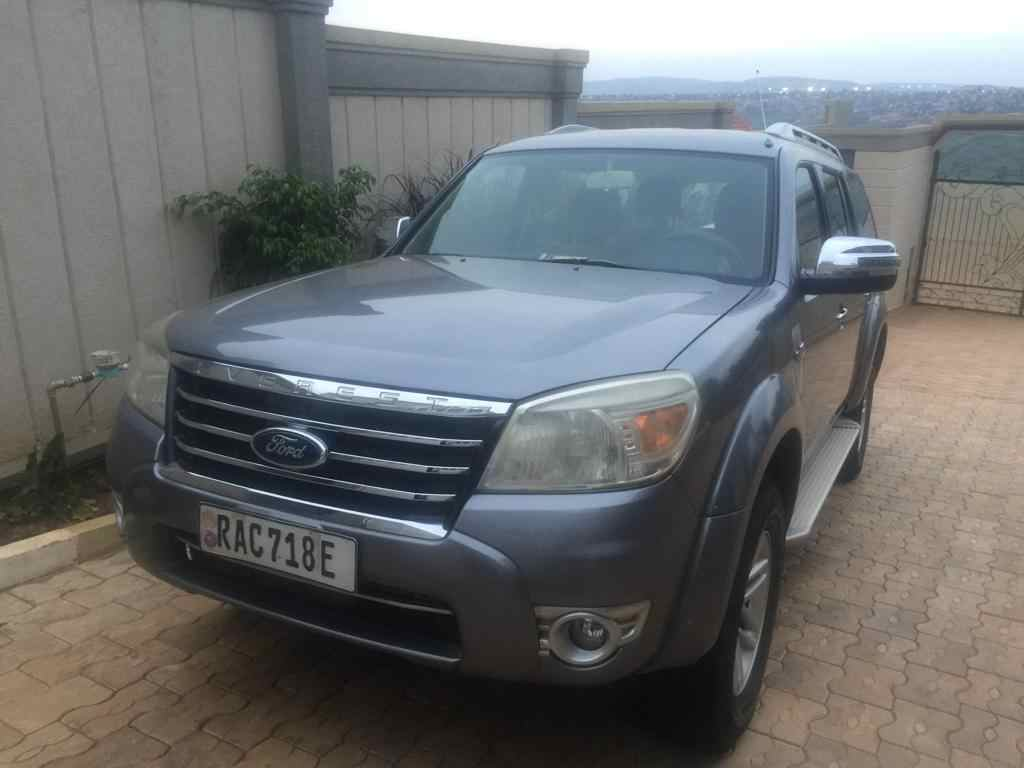 Imodoka yo mu bwoko bwa Ford, yakozwe muri 2011, igurishwa 11,000,000frw