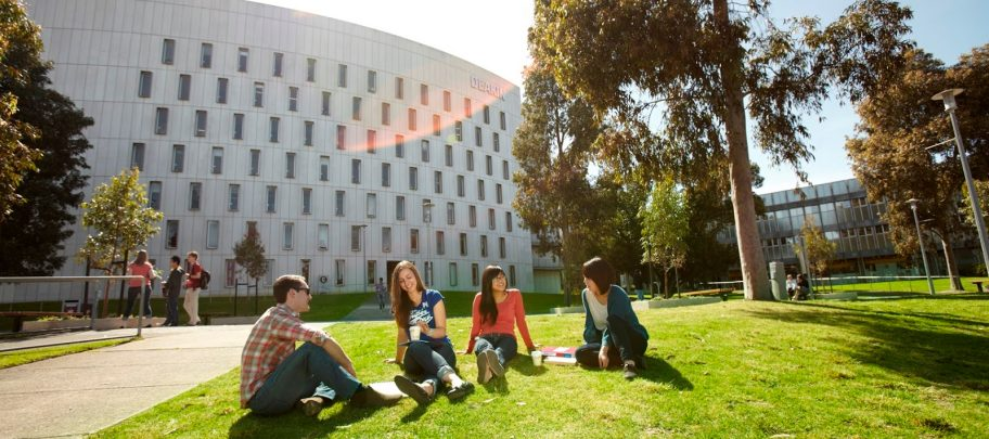 Masters and Doctoral Scholarship in Australian : HDR Scholarship - Research Training Program Scholarship (RTP) / Deakin University Postgraduate Research Scholarship (DUPR)  (Deadline: 31 October 2019)