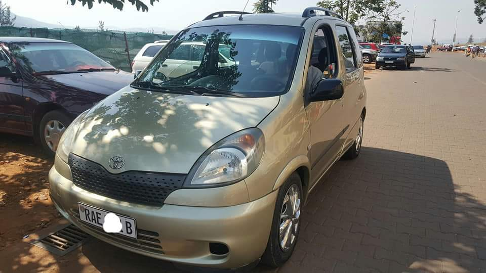 Toyota Yaris Verso; 2001   Price: 6,200,000frw