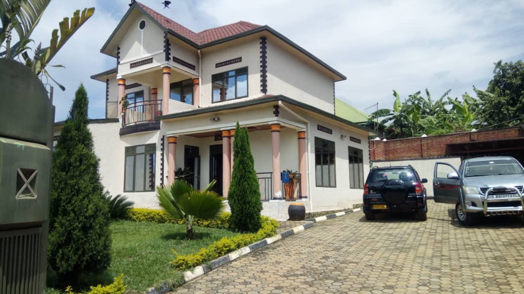 House for Sale in Kabuga Town, Price : 120,000,000frw