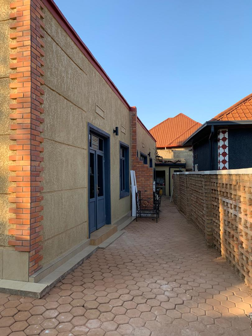 House For Rent, Location : Kigali, Kicukiro, Masaka, Price per Month :200,000Rwf