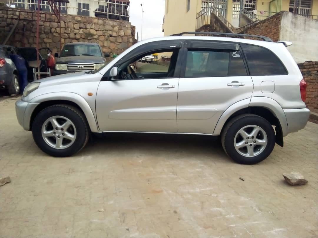 Toyota Rav  4 for Sale; Price : 7,200,000Frw