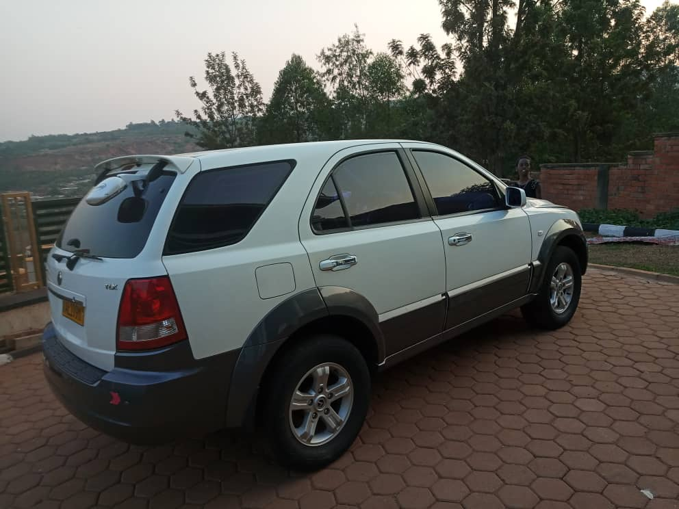 Car for sale; kia 2004, Price: 8,000,000frw