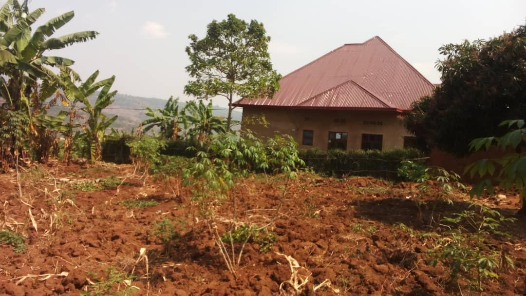 Ikibanza Cyiza cyane Kigurishwa , Jabana muri R1 ; 8,500,000frw