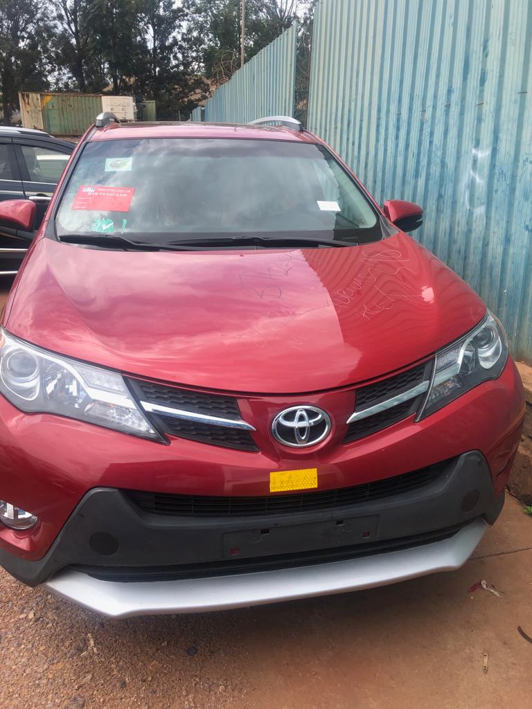 Toyota Rav  4 Automatic for Sale   (2014); Price : 23,000,000Rfw