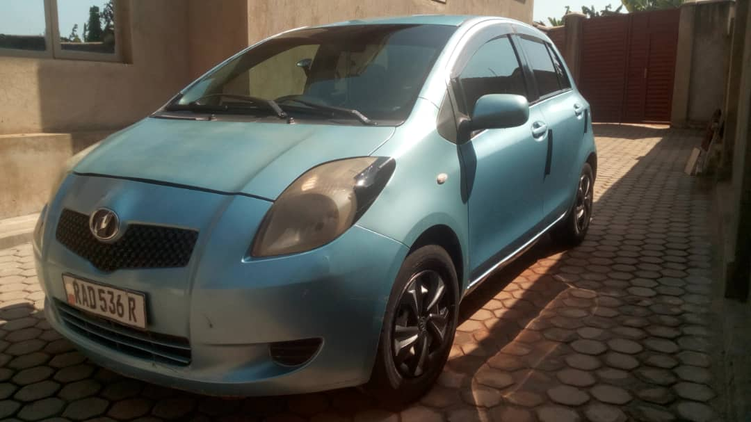 Toyota Vitz for Sale ; Price : 4,500,000Frw