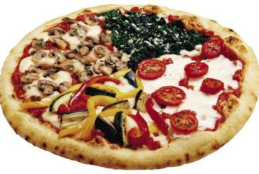 BEEF SAUSAGE PIZZA (Medium)  Price:6,000 Frw, Free Delivery