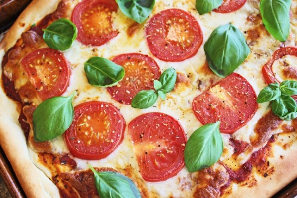 Margherita Pizza  Tomato sauce, Figalo fruit Cheese Price : 6,500Frw