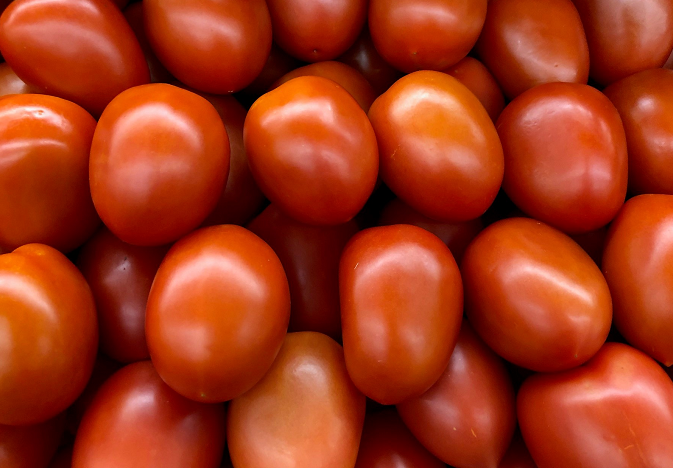 Tomatoes/Inyanya Price: 1200 Rwf/Kg Delivery Fees: 1000Rwf
