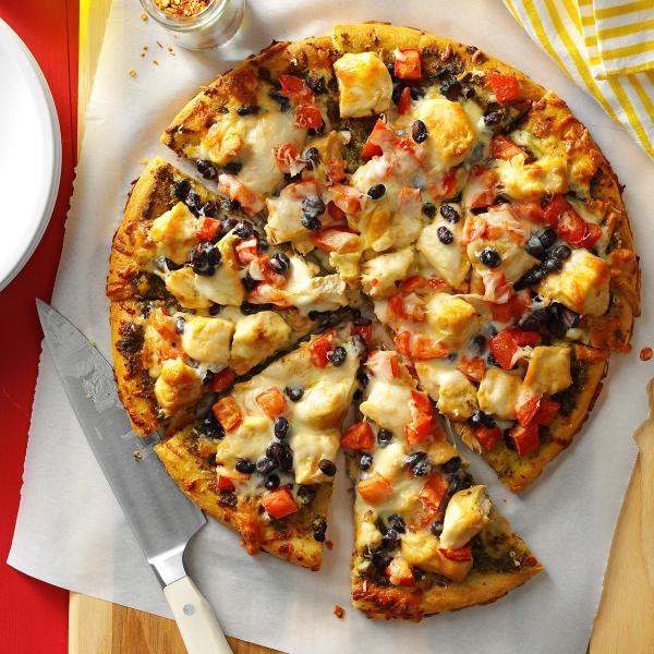 CHICKEN PIZZA(KUKU Big)  Slice chicken  Vegetables Mozzalera Mashroom Price :9,000Frw Free Delivery