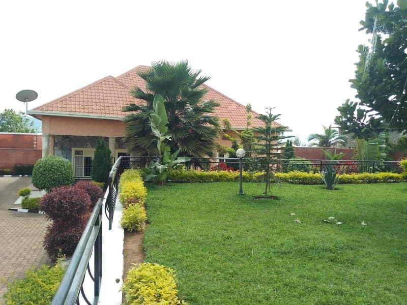 House for Sale; Location: Rwanda, Kigali, Gasabo, Rusororo : Price : 110,000,000Frw (Negotiable)