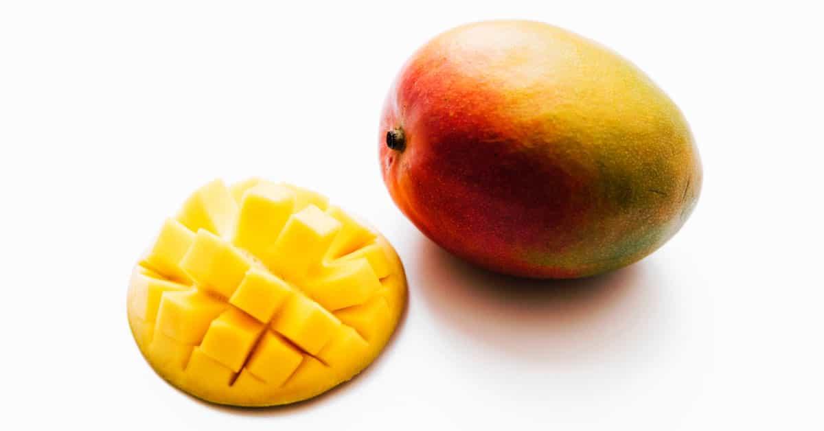 Mango Fruits / Kg Price: 3000 Rwf/Kg Delivery