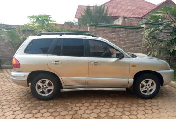 Car For Sale, HYUNDAI SANTAFE, Year: 2002, PRICE: 3,200,000Frw