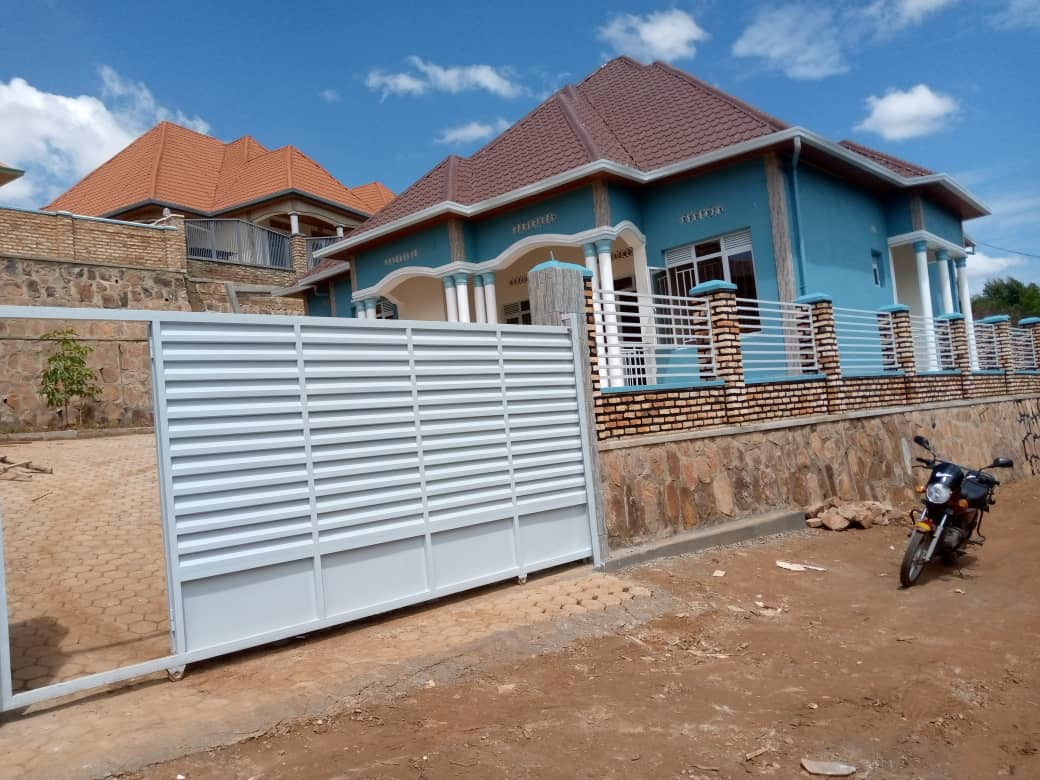 House for Sale, Kanombe Near to legacy , Price: 65,000,000frw