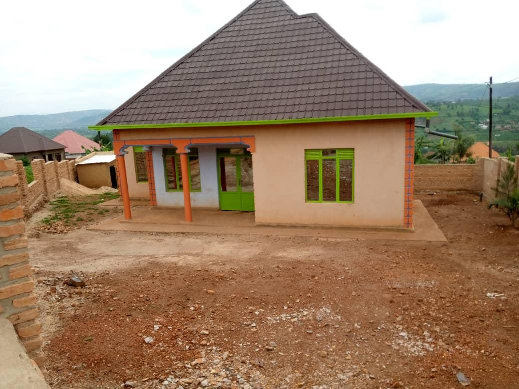 House For Sale, Location; Kabuga Rugende Kumafarashi, Price: 22,000,000frw