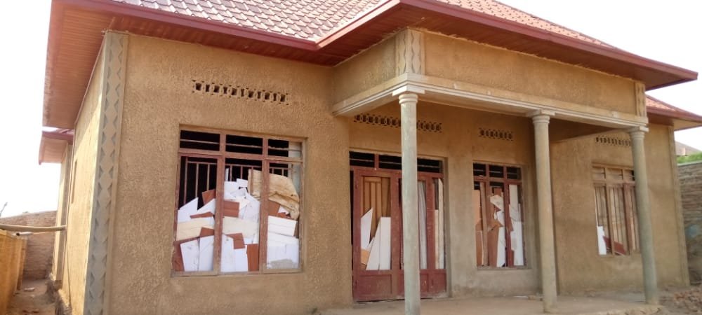 House for Sale, Location: Masaka, Price: 29 M