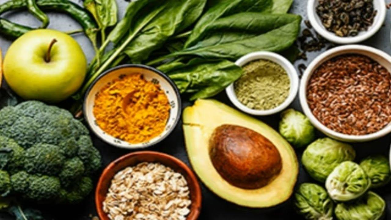 Ibimenyetso bikwereka ko wifitemo B12 ncye|Vitamine buri wese acyeneye|Umugabo imufasha mu kabariro