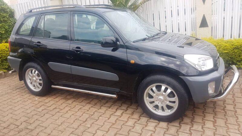 Car for sale: Toyota Rav 4; 2004. Price: 11,500,000Frw