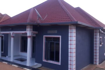 House For Sale, Location: Bugesera-Ntarama_arrete not far from the main road, Best Price: 42,000,000Frws negociable