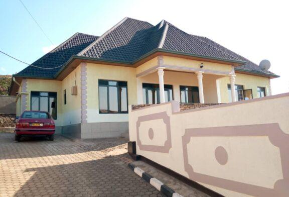 Inzu igurishwa nziza igurishwa i Kigali, Kicukiro, Nyarugunga kuri 70,000,000Frw (Negotiable)