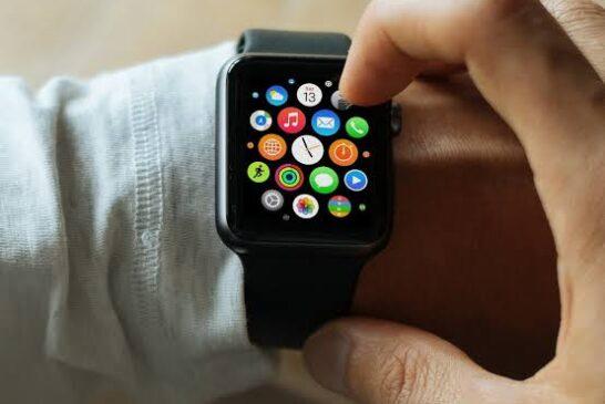 Ubu turi kohereza mu Rwanda hose  Smart Watch iyi T500 wishyuye gusa 30,000frw, Free Delivery